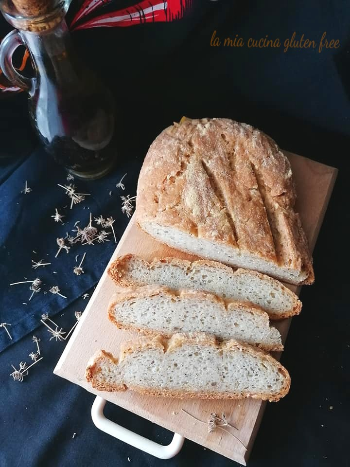 pane casereccio con farina di mais e finocchietto