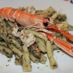Casarecce con scampi e pesto di olive
