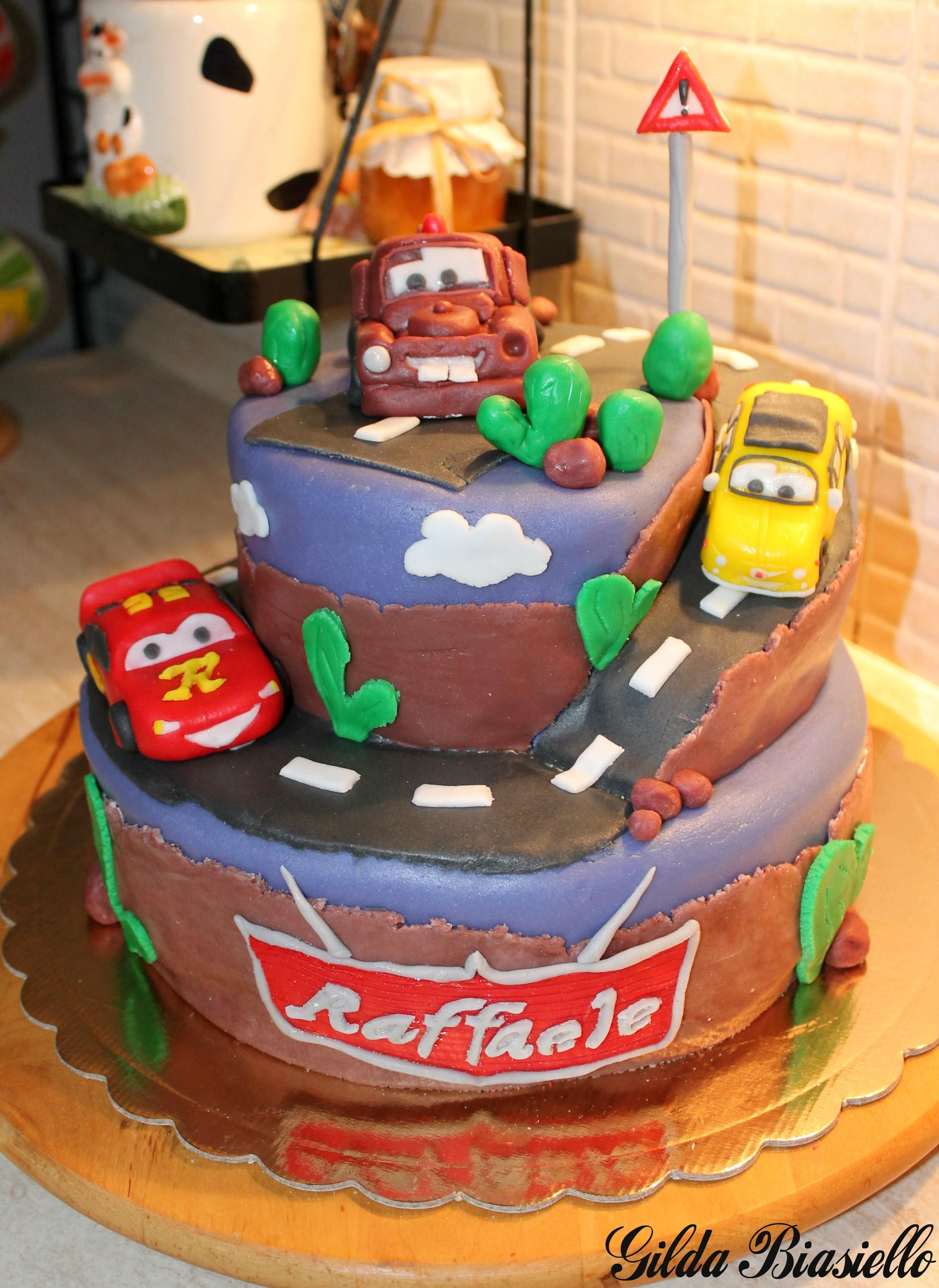 Torte Cake Design Di Cars : Torta barbie in pasta di zucchero donnepasticcione