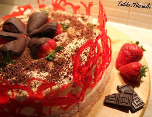 Tiramisù alle fragole e cioccolato fondente