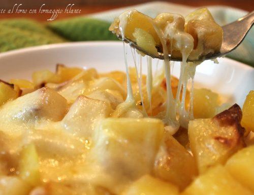 Patate al forno con formaggio filante