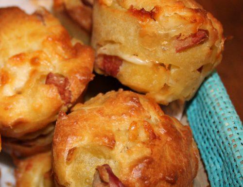 Muffin salati con wurstel e galbanino