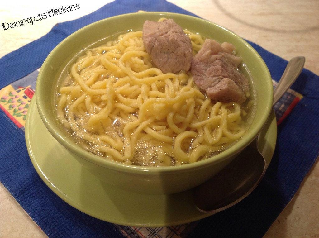 Tagliolini al brodo fatti in casa donnepasticcione - Faretti in casa ...
