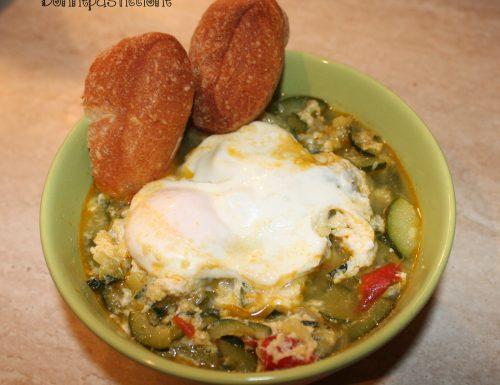 Zuppetta di zucchine con l'uovo