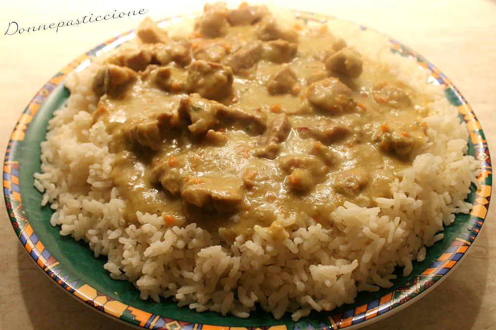 Bocconcini di maiale al curry con riso 1