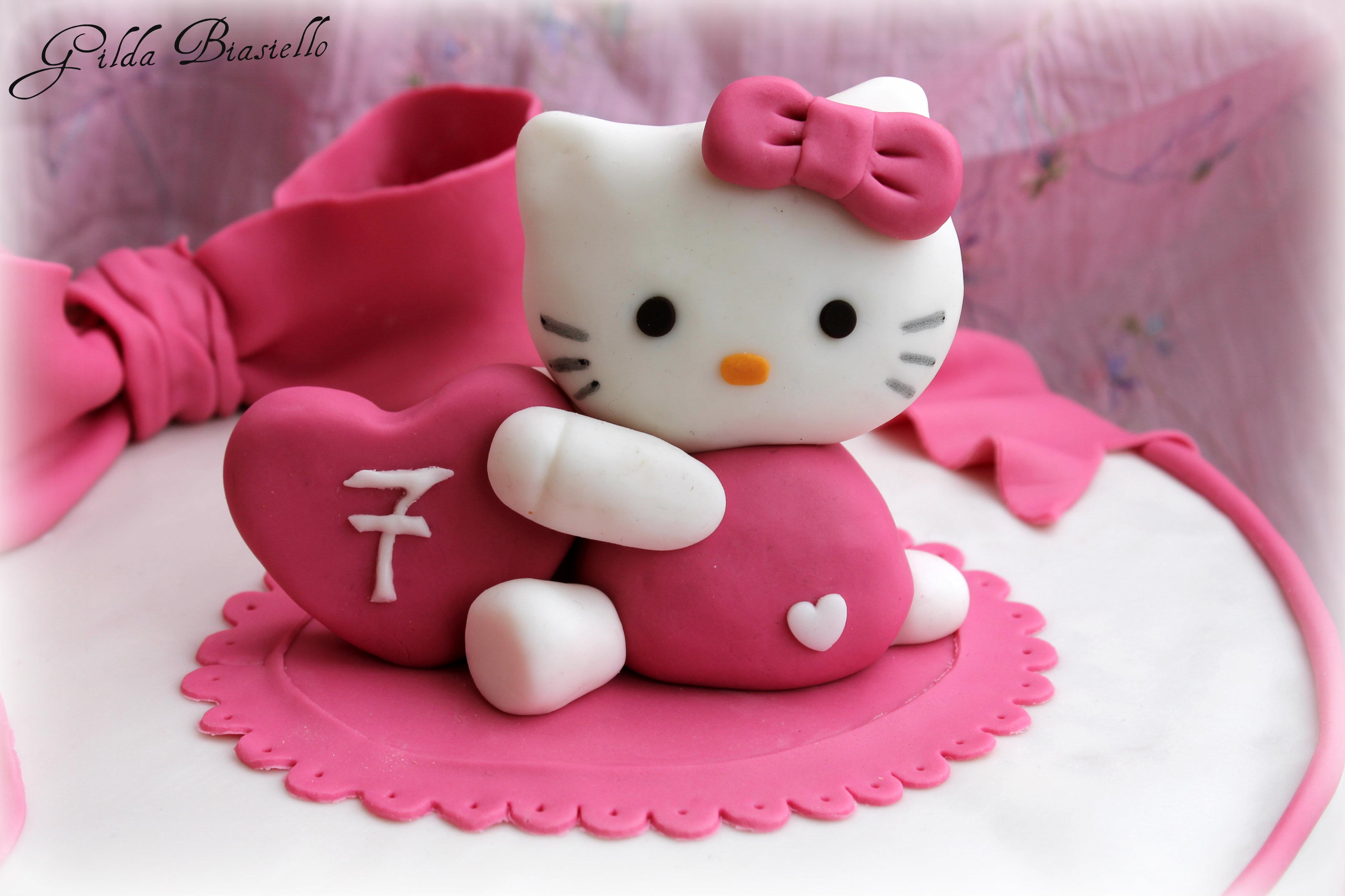 Torta hello kitty in pasta di zucchero donnepasticcione