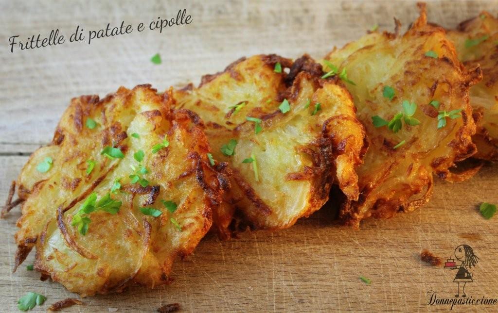 Frittelle di patate e cipolle donnepasticcione - Come cucinare le cipolle ...