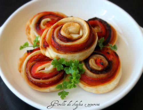 Girelle di pasta sfoglia e peperoni