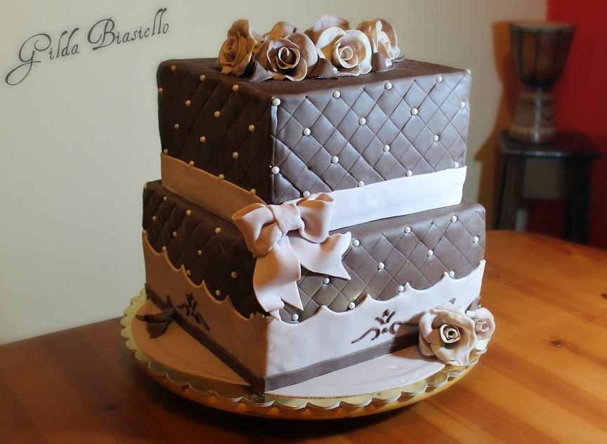 Torta compleanno 40 anni donnepasticcione for Decorazioni per torta 60 anni