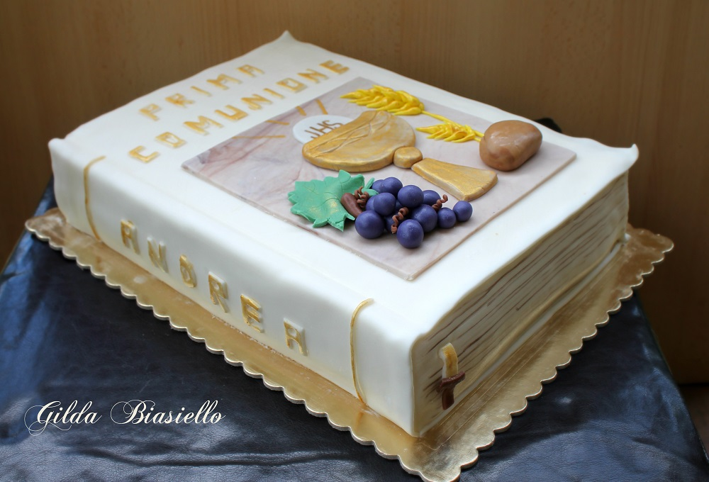 Super Torta libro prima comunione | donnepasticcione PJ97