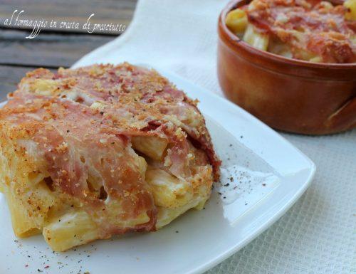 Pasta al formaggio in crosta di prosciutto