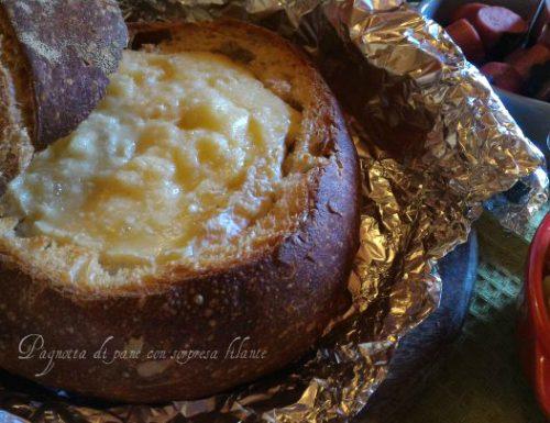Pagnotta di pane con sorpresa filante