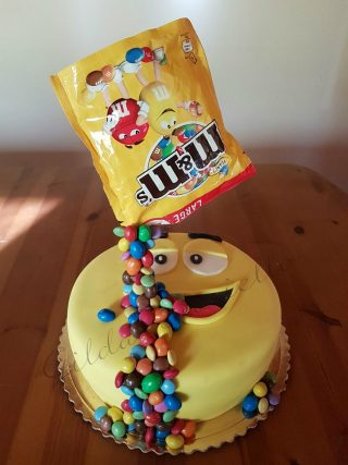 gravity-cake-m-ms-2