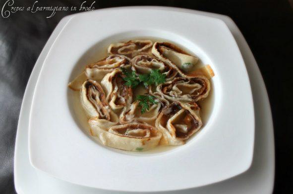 Crepes al parmigiano in brodo di carne