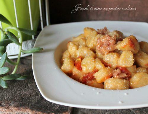 Gnocchi di zucca con pomodoro e salsiccia