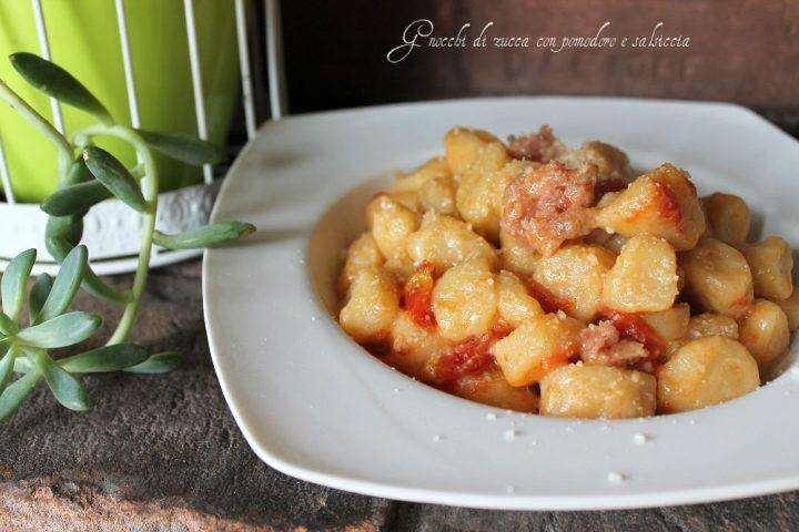 gnocchi di zucca con pomodoro e salsiccia 1