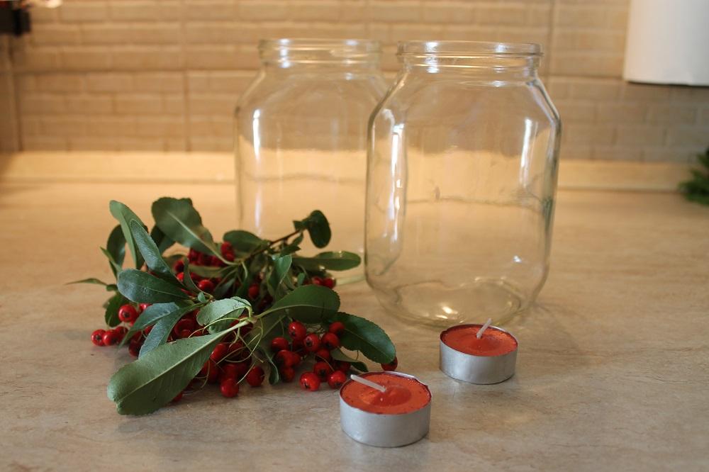 Decorazioni natalizie con i barattoli di vetro for Composizioni natalizie in vasi di vetro