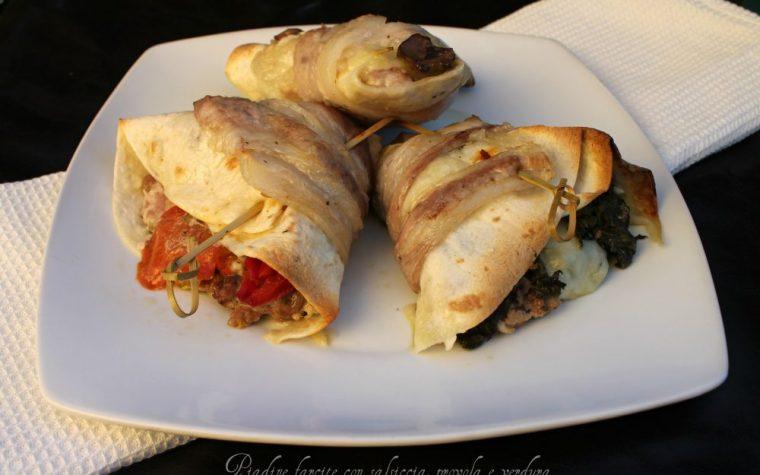 Piadine farcite con salsiccia, provola e verdura