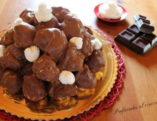 Profiteroles al cioccolato ricetta veloce