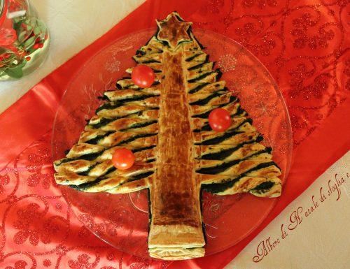 Albero di Natale di pasta sfoglia e spinaci