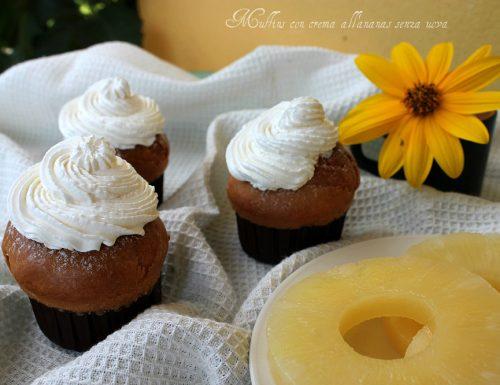 Muffins con crema all'ananas senza uova