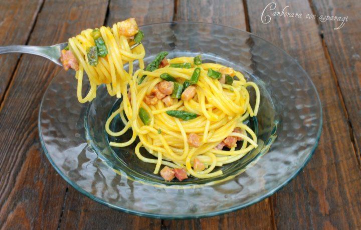 Spaghetti alla carbonara con asparagi