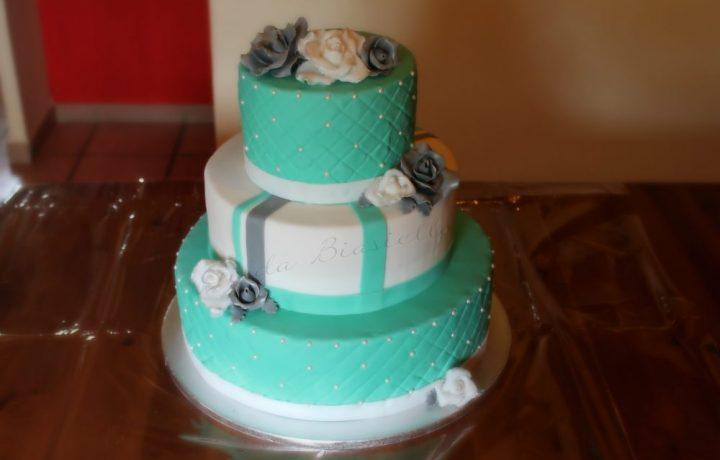 Torta verde tiffany in pasta di zucchero