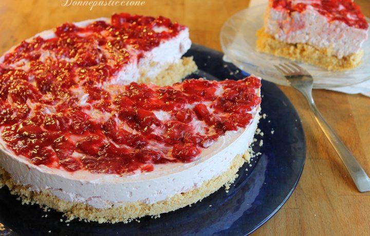 Cheesecake al mascarpone con salsa alle fragole