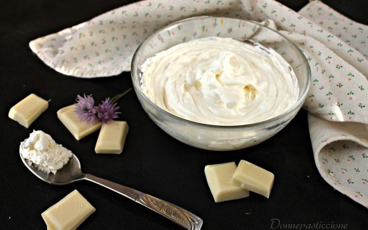 Crema dolce al cioccolato bianco e formaggio cremoso