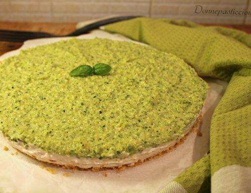 Cheesecake salata di prosciutto e pesto di zucchine