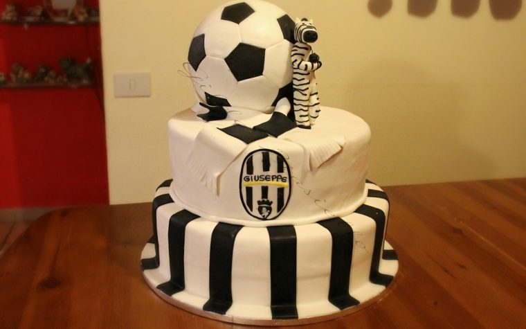 Torta 18 anni simboli Juventus