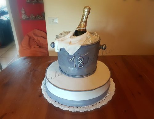 Torta secchiello per champagne in pasta di zucchero