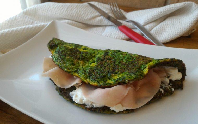 Omelette di spinaci con Philadelphia e prosciutto cotto