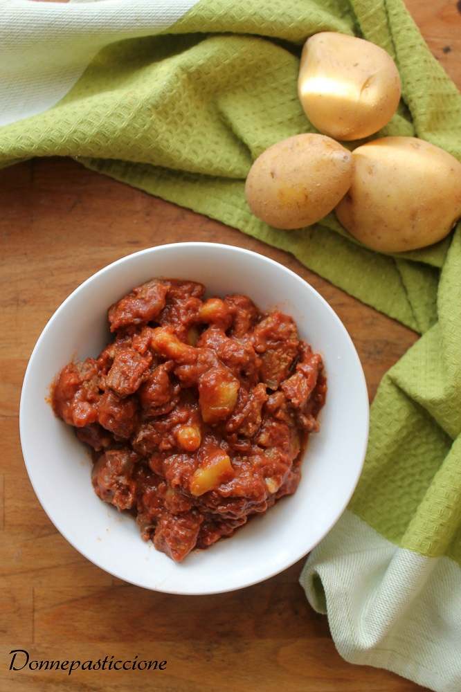 spezzatino rosso di vitello con le patate