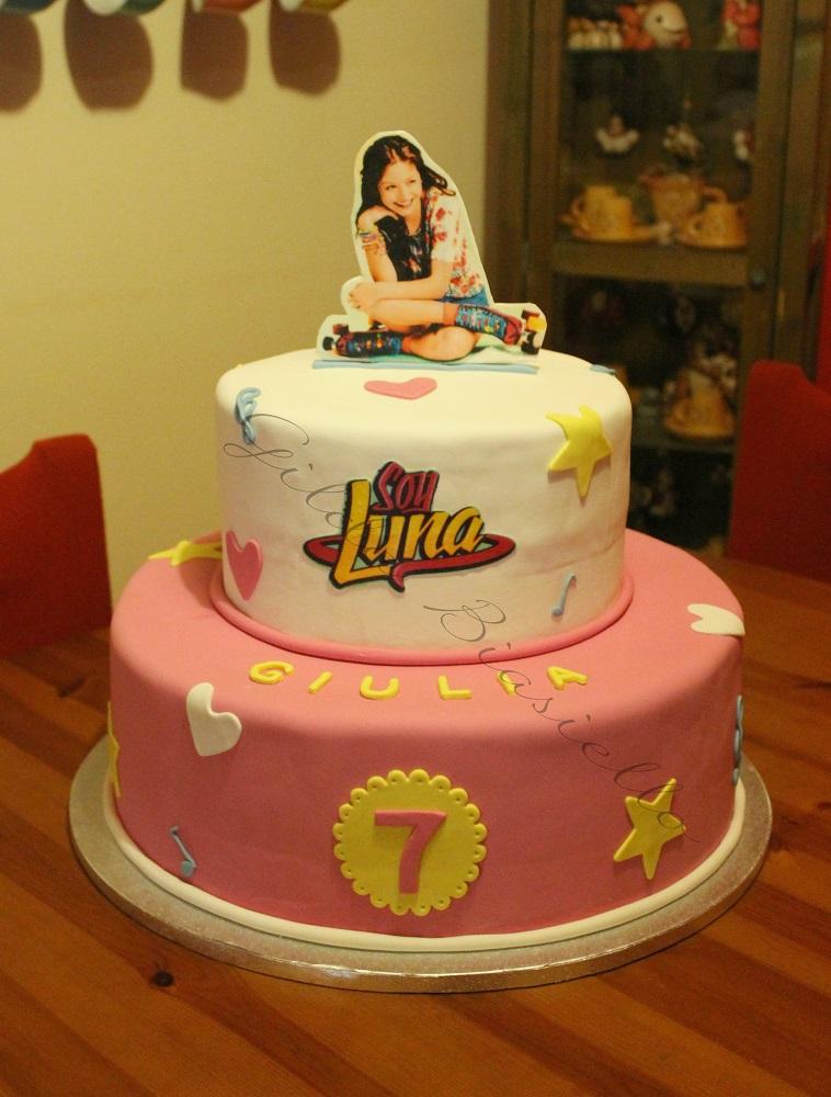 torta Soy Luna in pasta di zucchero