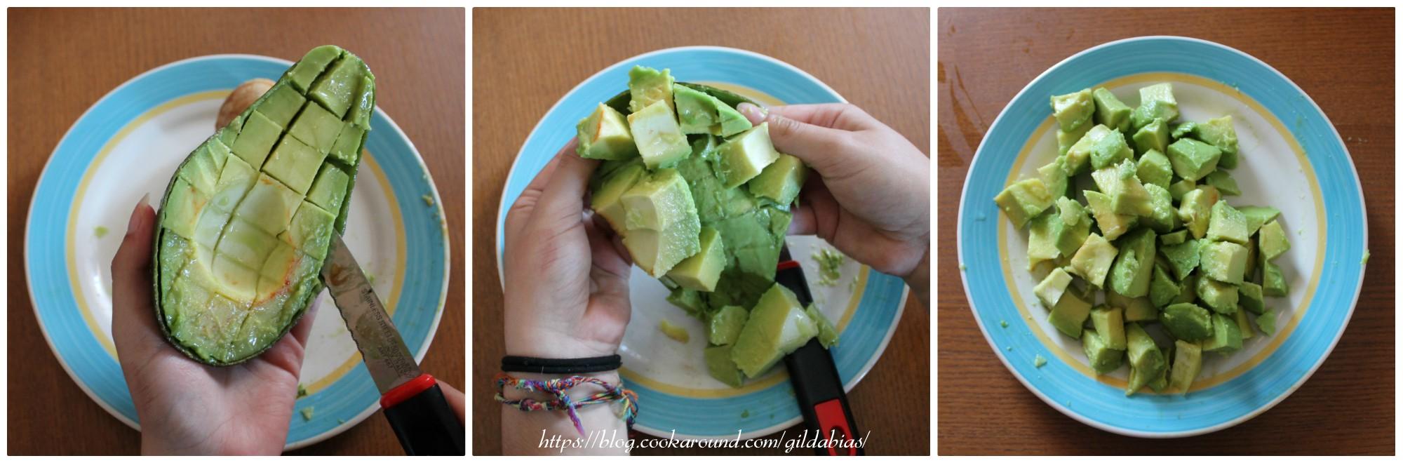 sbucciare un avocado