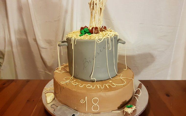 Gravity cake con spaghetti e polpette