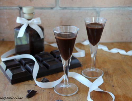 Liquore cioccolato e latte di cocco
