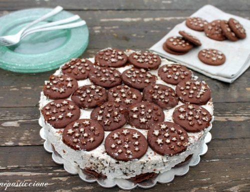 Torta con pan di stelle con crema alla ricotta e cioccolato