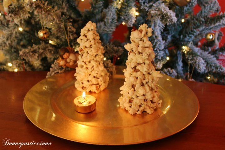 segnaposto natalizi albero di popcorn