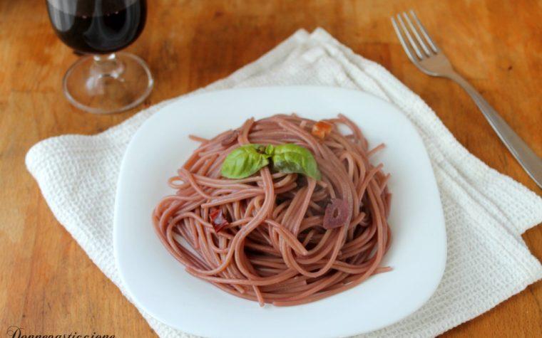 Spaghetti aglio e olio risottati al vino