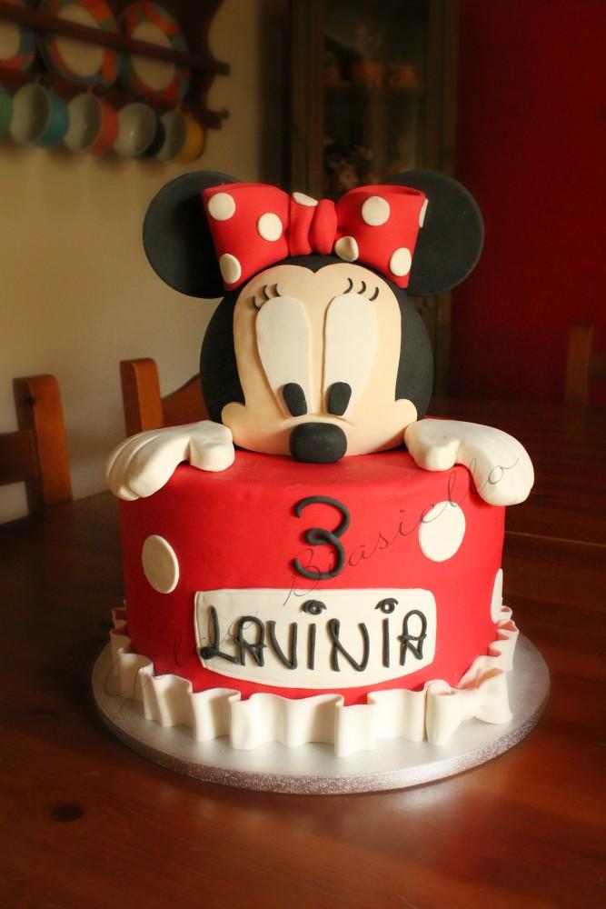 torta Minnie rossa in pasta di zucchero