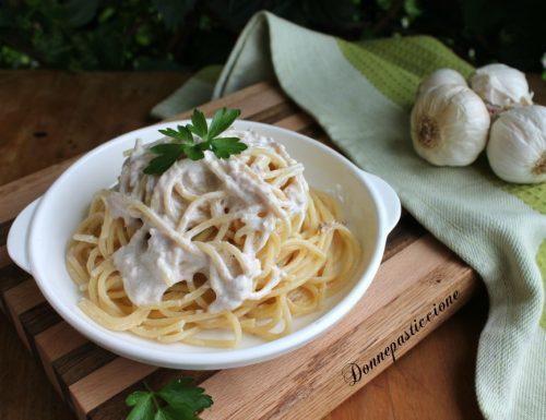 Spaghetti veloci con tonno e panna