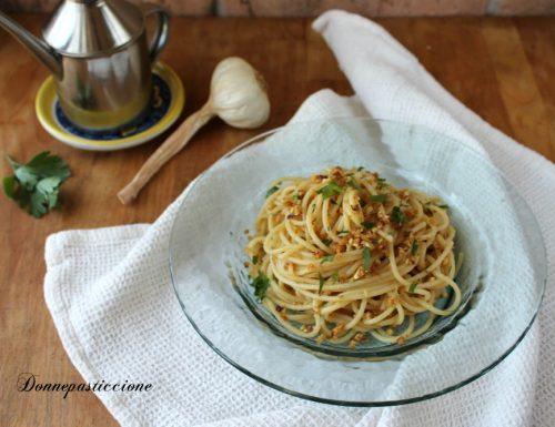 Spaghetti con la mollica (ricetta molisana)