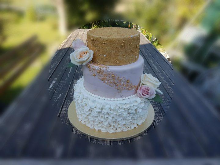 Torta nozze d'oro a tre piani