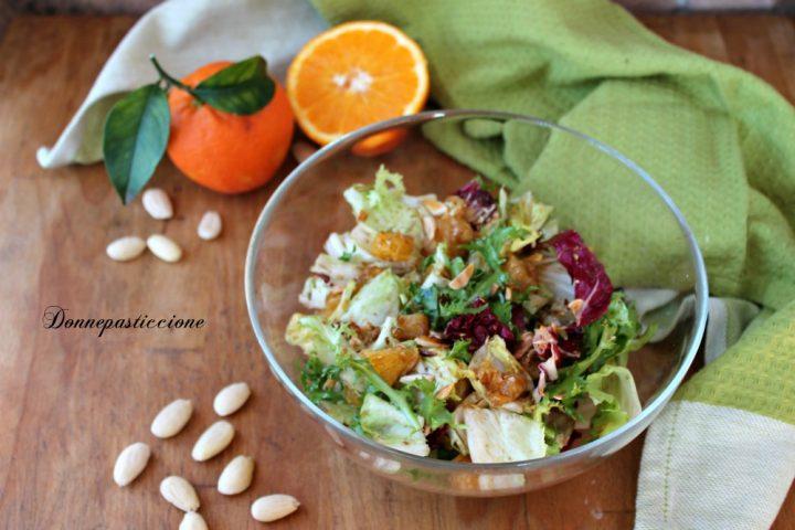 insalata mista con arance e mandorle tostate