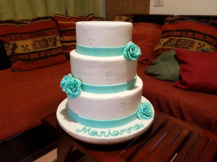 torta bianca con rose tiffany