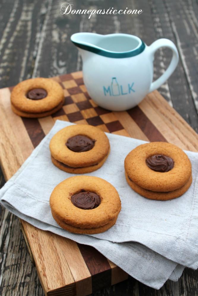 biscotti al burro occhio di bue alla Nutella