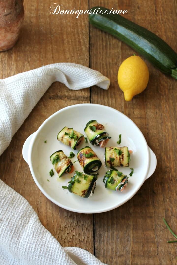 involtini di zucchine grigliate con salmone affumicato