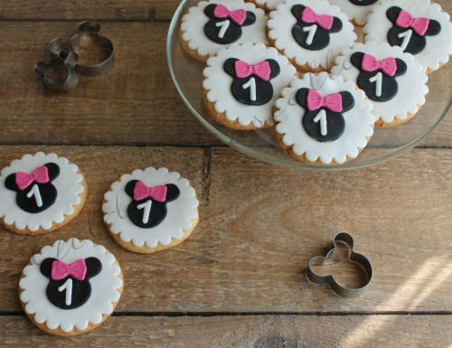 Biscotti decorati a tema Minnie